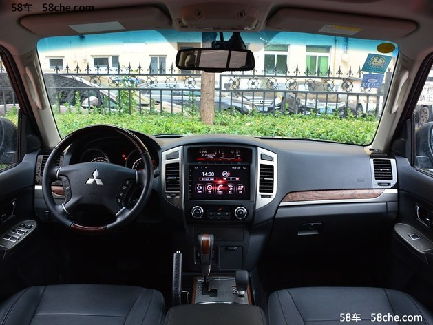 帕杰罗3.0L自动舒适版上市 售37.98万元
